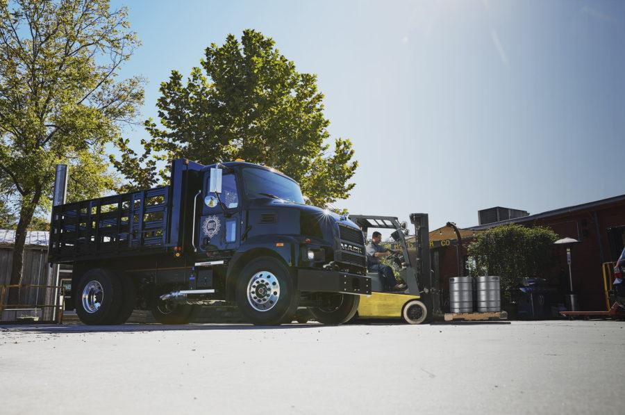 Mack MD Series Medium Duty Truck