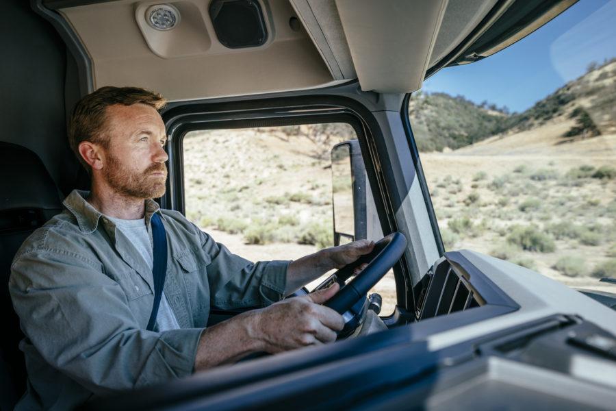 Mack Command Steer in Mack Anthem Semi Truck